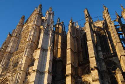 la-cathedrale-de-beauvais-un-exemple-de-lart-gothique
